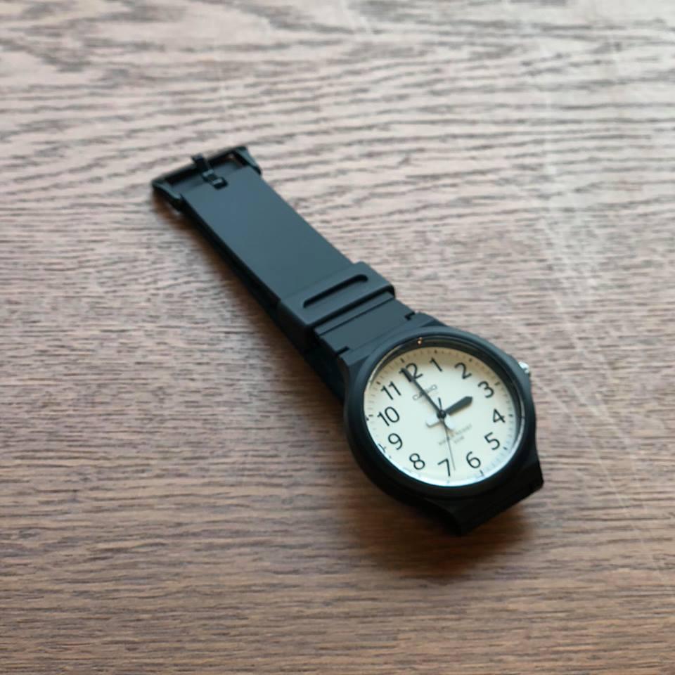 画像1: 【Buyer's Select】CASIO MW-240  Series カシオ スタンダード クォーツ 腕時計 MW-240-7B(WH×BK) (1)